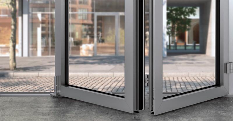 Detalle herraje ventana de aluminio